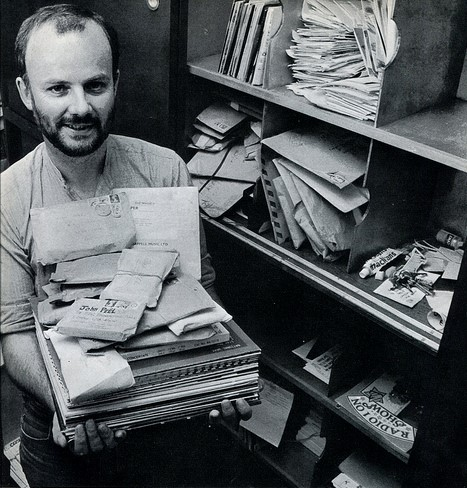 John Peel Signs Off in Peru – Thousands Lament the Death of a DJ