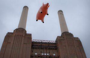 Pink Floyd Fling Pig Battersea Power Station