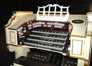 Compton Pipe Organ Hammersmith Apollo By Jazzboy - Photo taken by Jazzboy, CC BY-SA 3.0, https://commons.wikimedia.org/w/index.php?curid=6704447